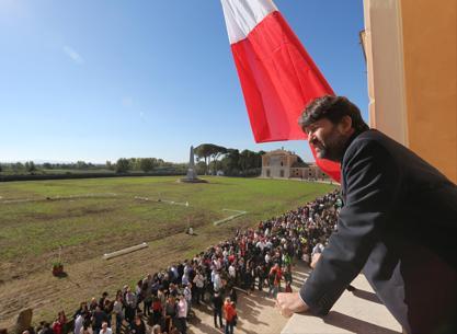 Il ministro dei Beni culturali Dario Franceschini alla Reggia (Lapresse)