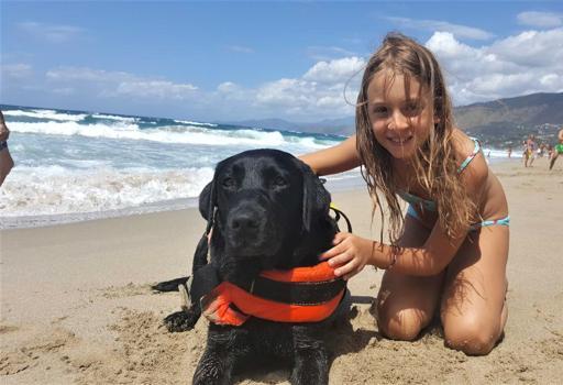 """Il cane """"Lux"""" e la piccola Caterina"""